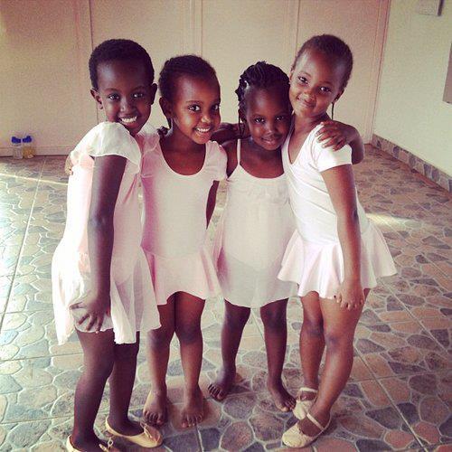 pretty-period: Celebrating International Pretty Brown Girl Day 2014! #PBG2014 Photo Courtesy ofPretty Brown Girls Look at us.