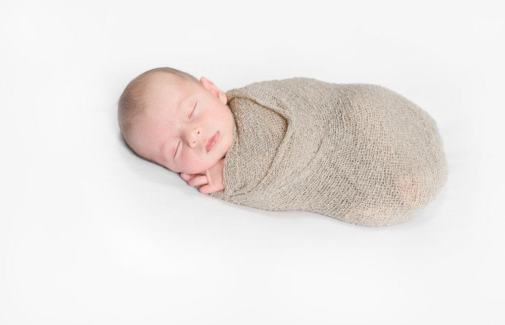 northern-va-newborn-photographer-elliott-1.jpg