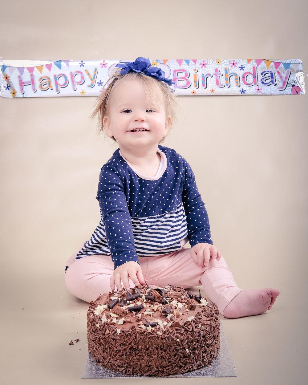 Smash-the-cake-Isabelle-Nottingham-1st-birthday