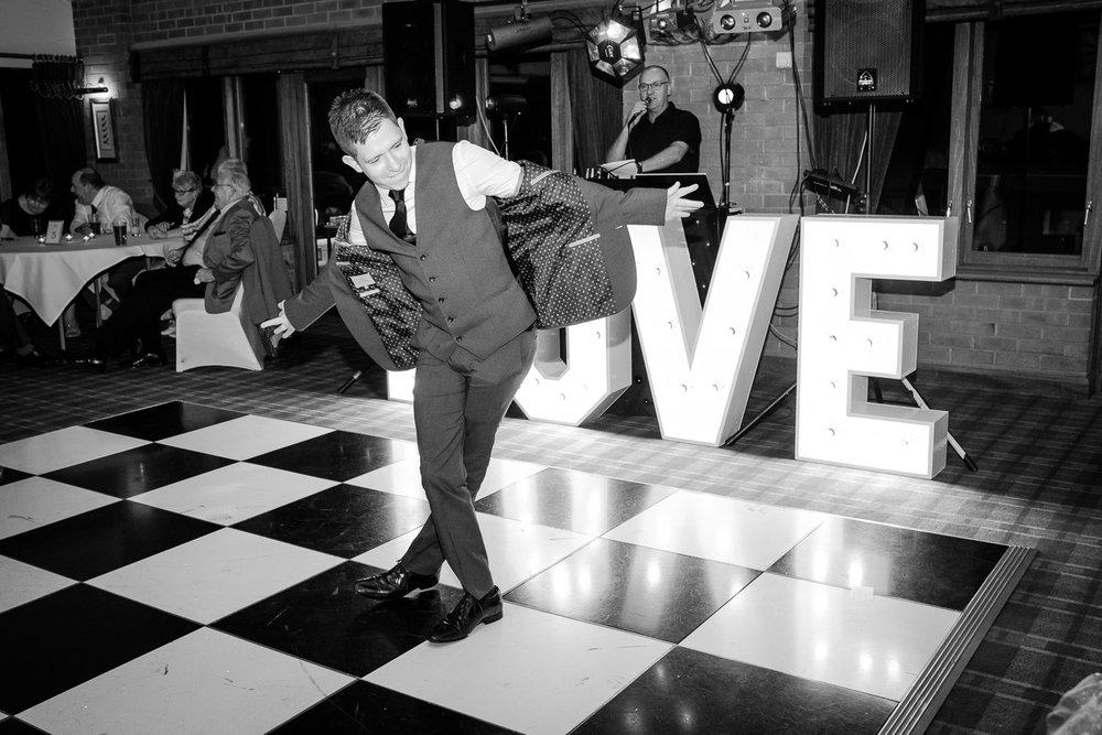 Morley-hayes-documentary-wedding-photography-party.jpg