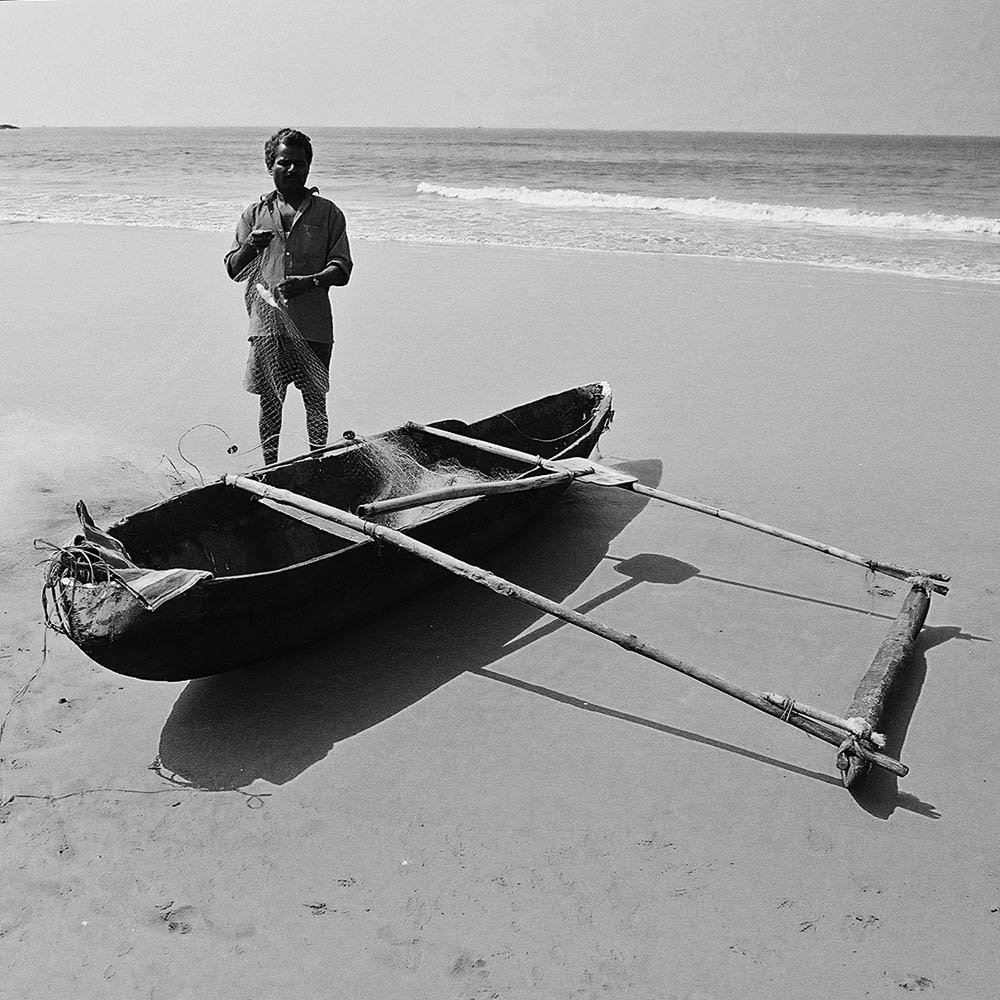 f1010003_india_palolem_outrigger_canoe_1000px.jpg