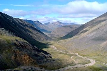 Anaktuvuk Pass Valley.jpg