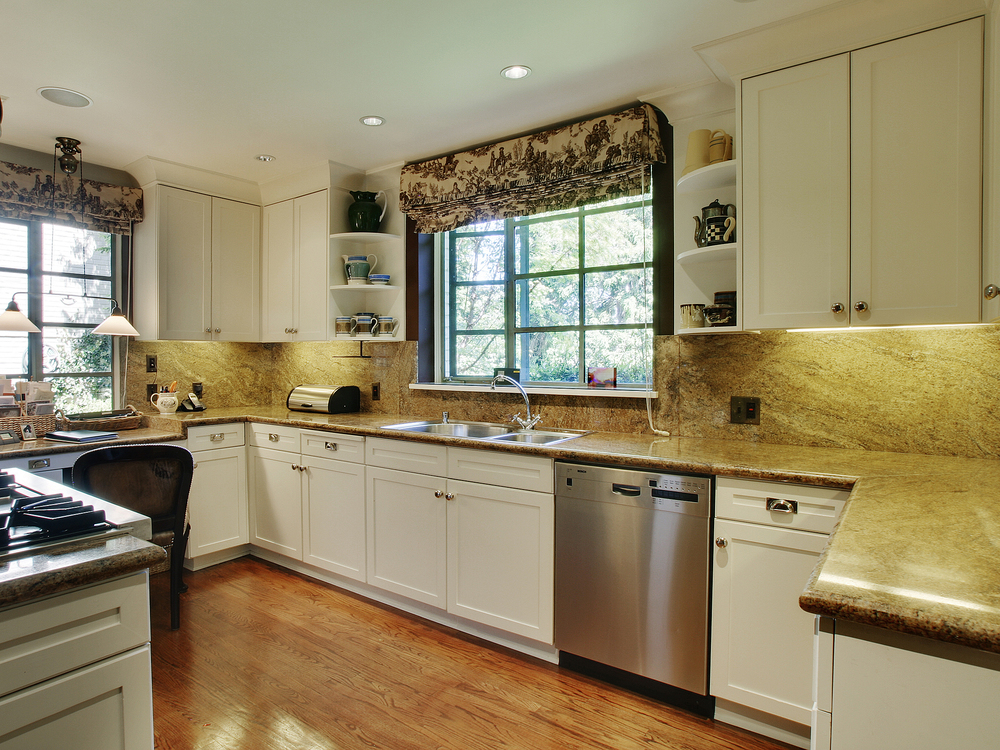 05-Kitchen-01.jpg