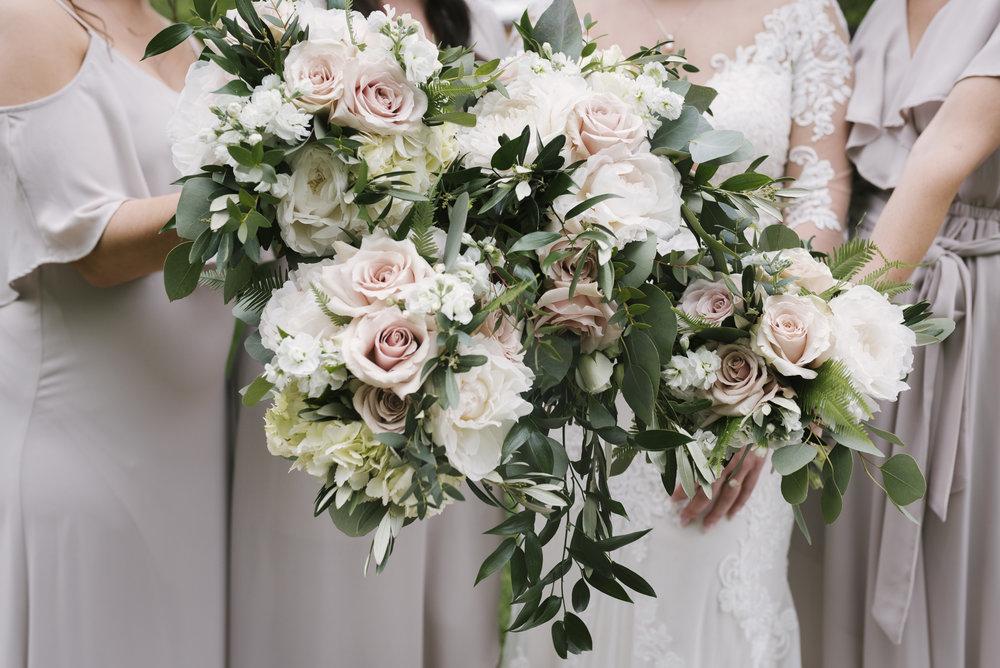 rochester-wedding-photographer-arbor-loft-19.jpg