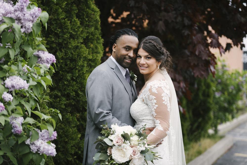 rochester-wedding-photographer-arbor-loft-29.jpg