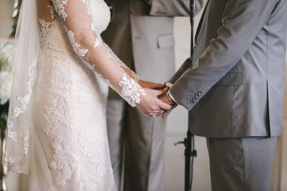 rochester-wedding-photographer-arbor-loft-35.jpg