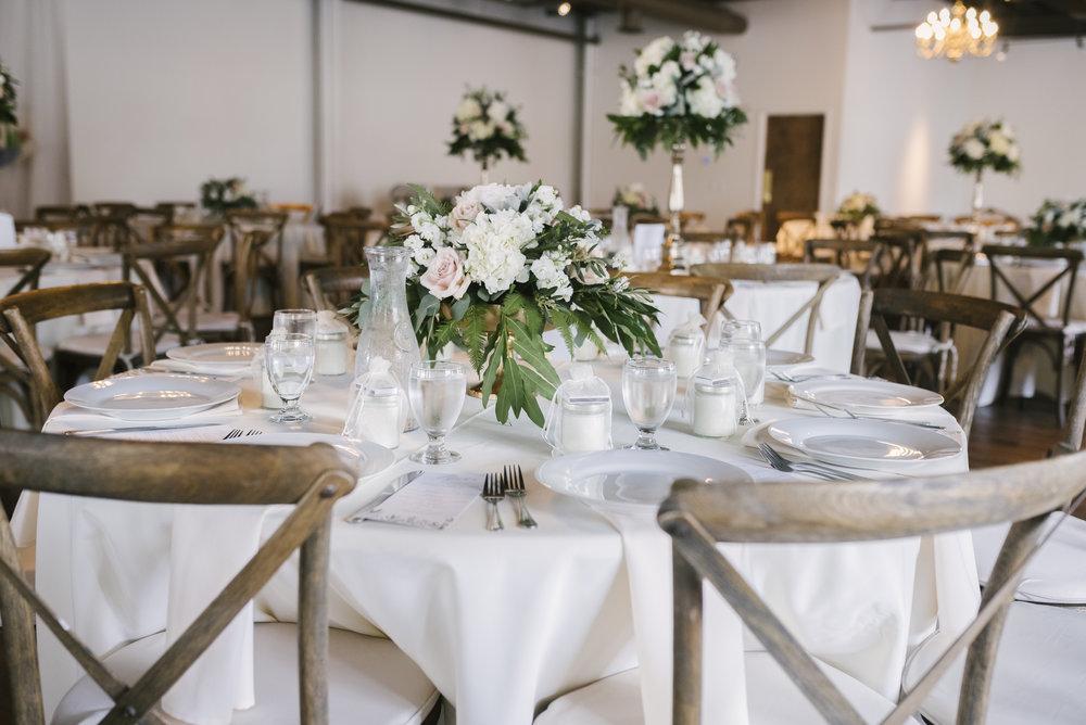 rochester-wedding-photographer-arbor-loft-39.jpg