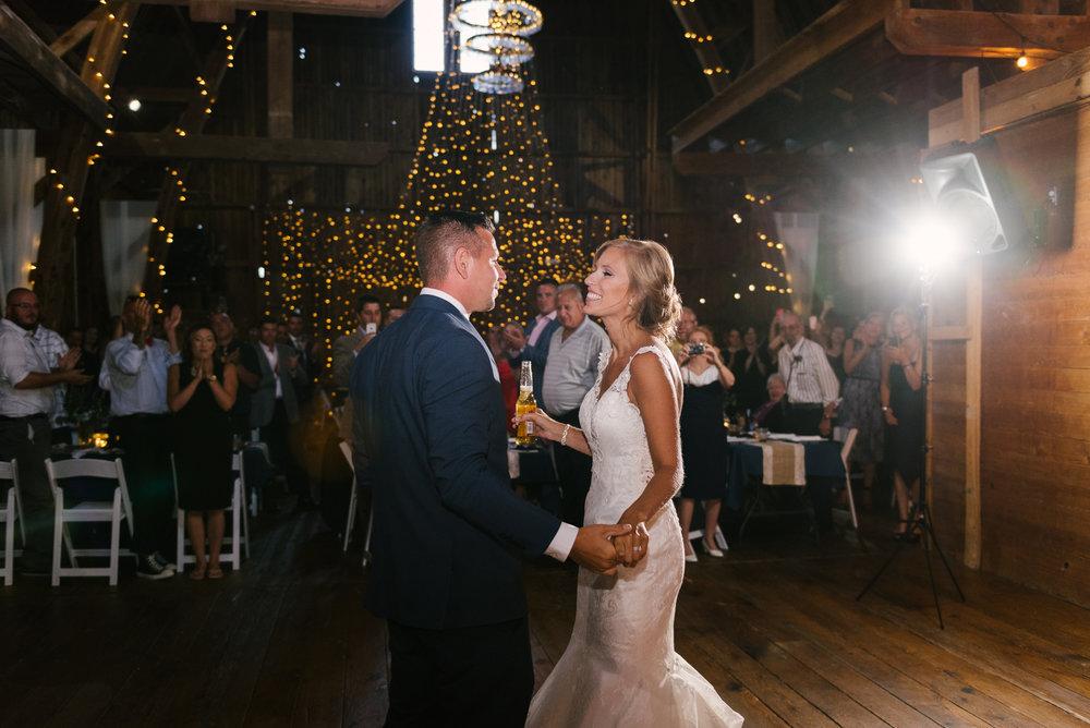 rochester-wedding-photographer-megan-antalek-11.jpg