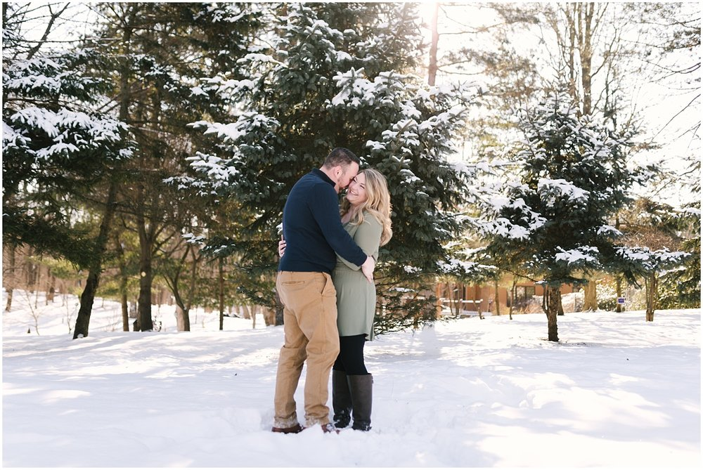 mendon-ponds-winter-engagement (12).jpg