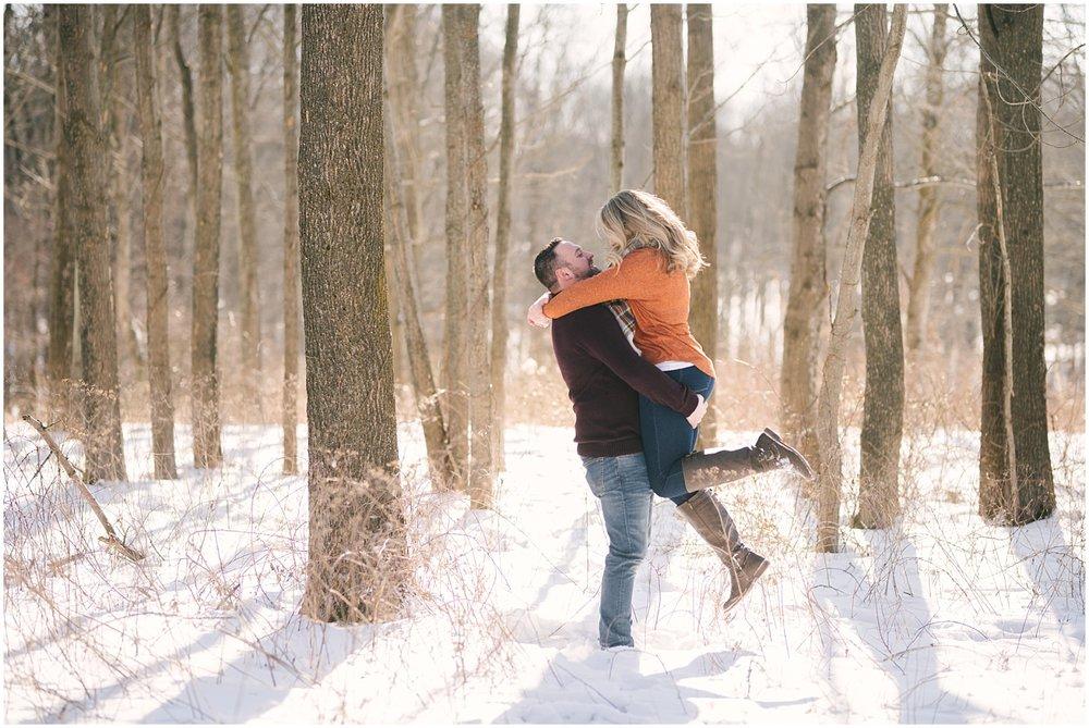 mendon-ponds-winter-engagement (37).jpg