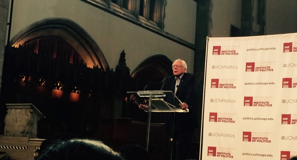 Bernie Sanders, AB '64, addressing the crowd at the Rockefeller Chapel