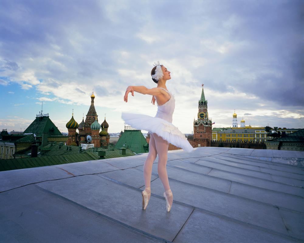Nedezhda Grachova, as the Swan Princess Moscow 1997 © Joe McNally