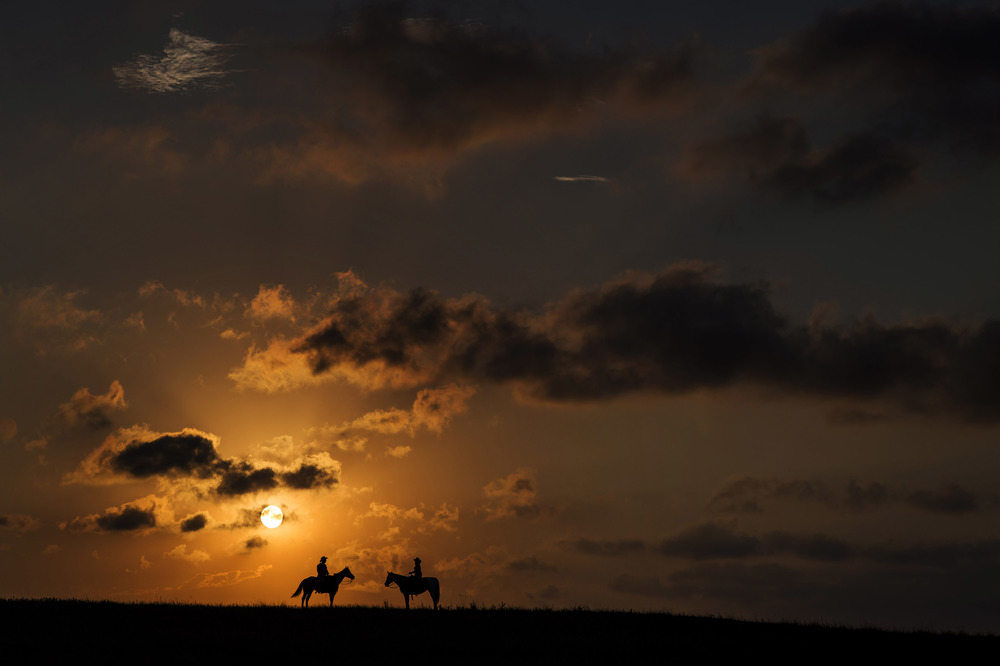 Brothers Kelly and Kevin Morrow on horseback in Holt County, Nebraska. © Bill Frakes/Straw Hat Visuals