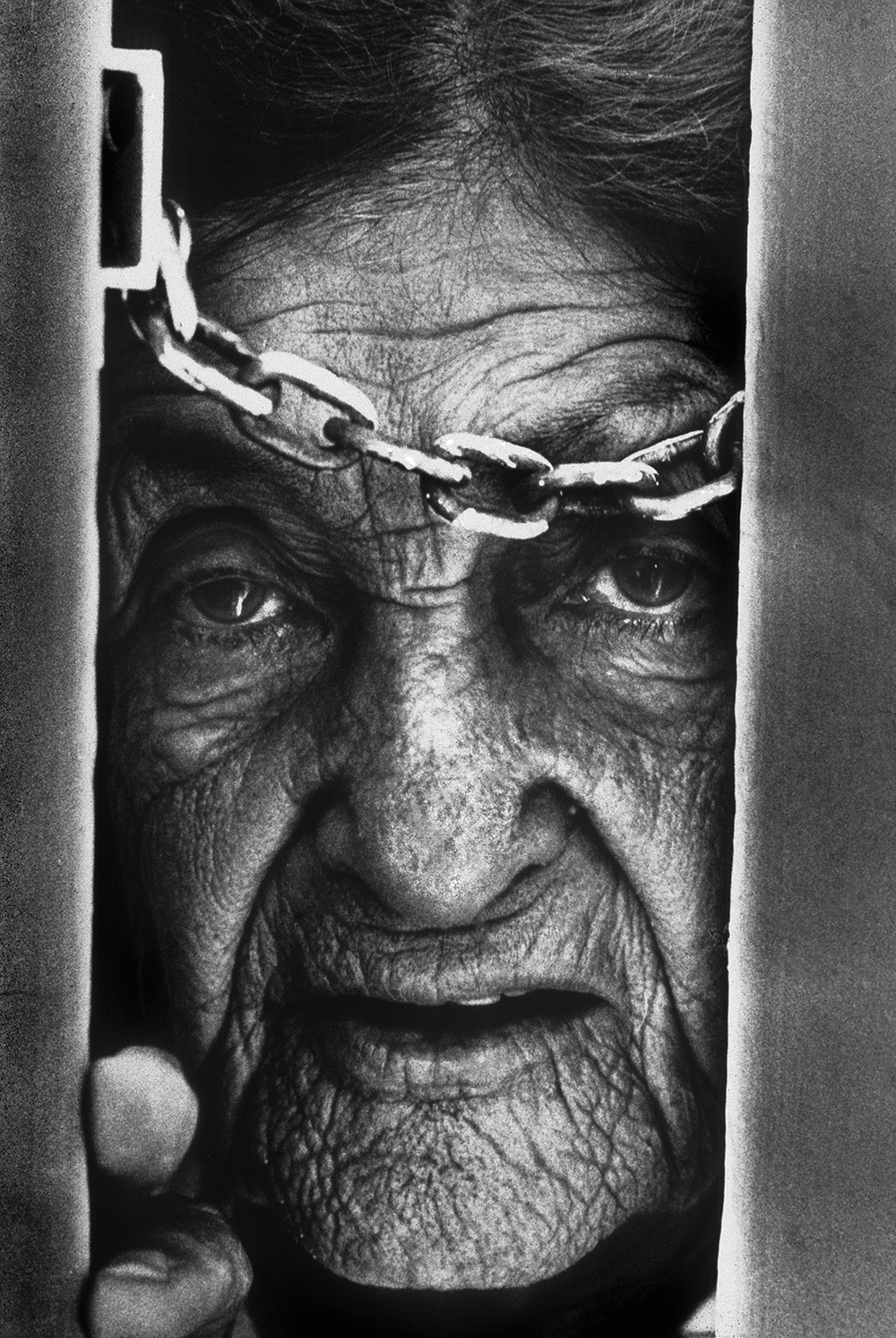 An elderly resident, Francis Mitnick of Miami, Florida. © Bill Frakes/Straw Hat Visuals