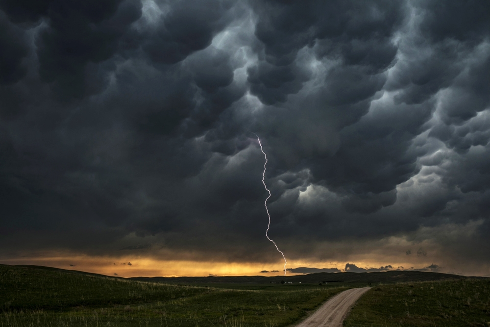 A thunderstorm outside Lakeside, Nebraska. © Bill Frakes/Straw Hat Visuals