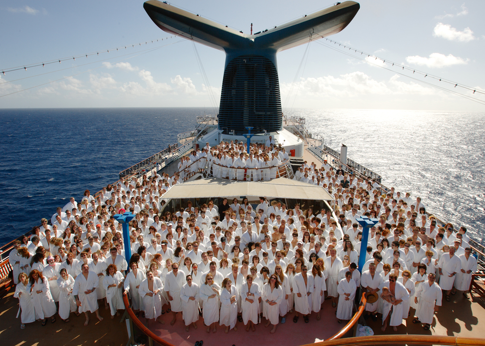 "The band Barenaked Ladies, along with 600 of their fans, get ready to drop their robes on the inaugural ""Ships and Dip"" cruise. January 16, 2007 © David Bergman"