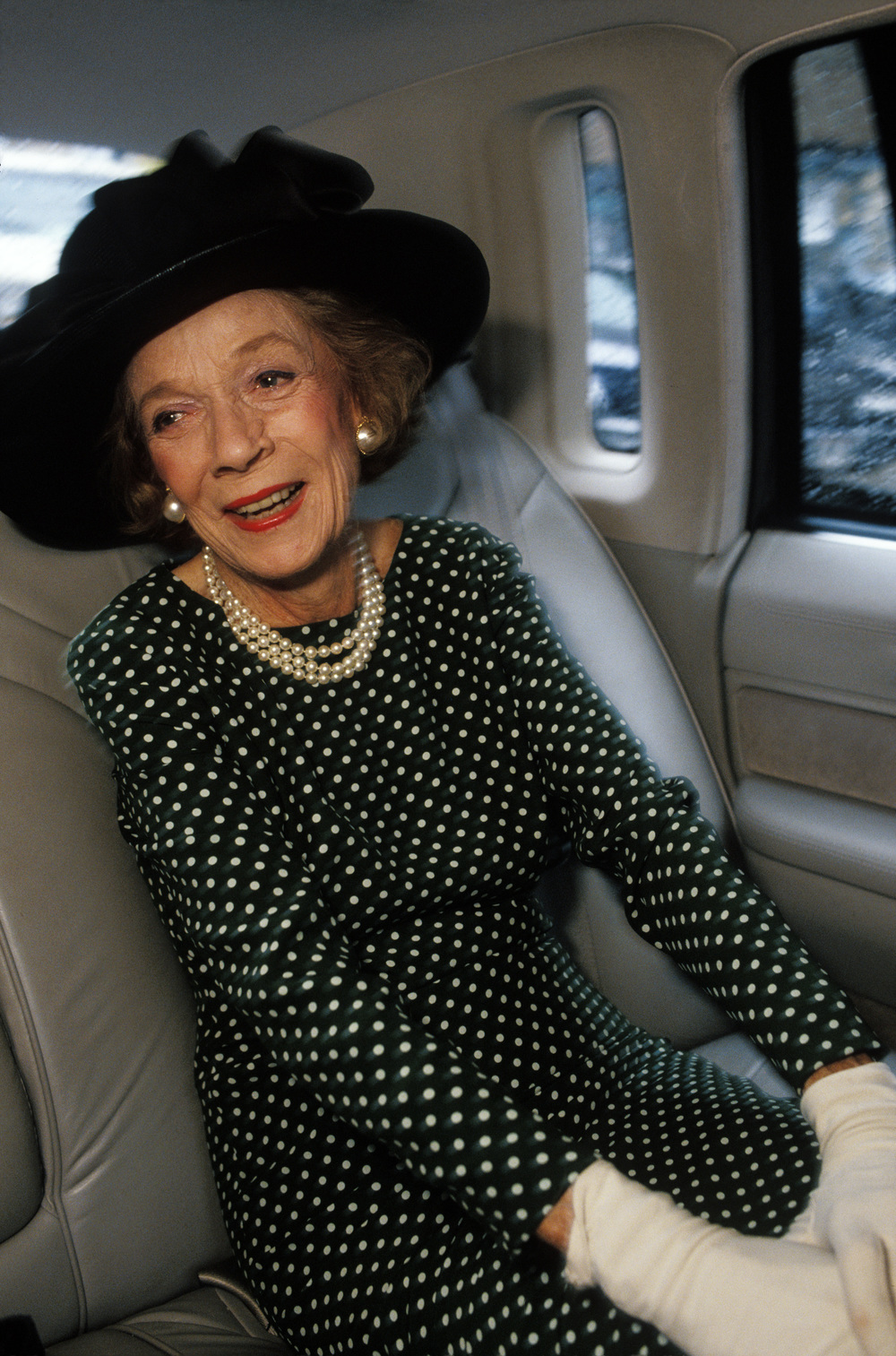 Brooke Astor: White gloves up to her elbows. © Mark Peterson/ReduxPictures for the New York Times Magazine