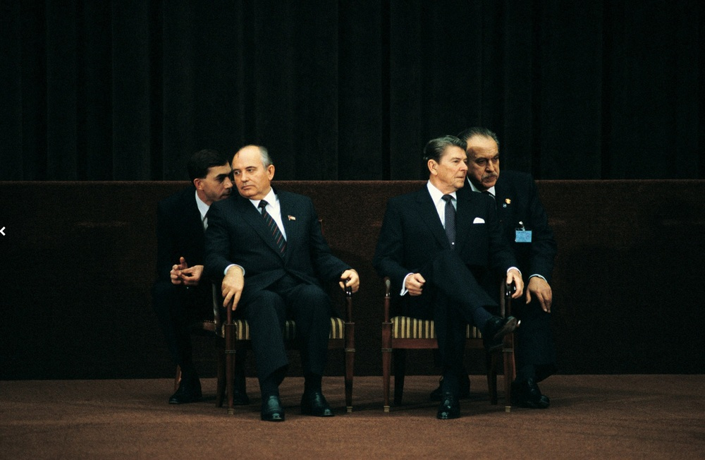 The First Gorbachev & Reagan Summit, Geneva, November 19, 1985. © 2015 David Burnett/Contact Press Images