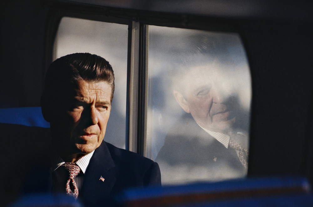 Ronald Reagan on the campaign bus in New Hampshire, February 1976. © 2015 David Burnett/Contact Press Images