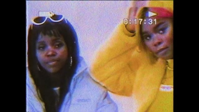 Additional footage from @NASA and music from #bagraiders lol. 🛸🔥 Big ups to the sis @tkaymaidza for taking me on tour, I am thankful!! met so many amazing people and had the time of my life‼️ ➫⠀➫⠀ ➫ swipe for some bonus content 🏁🏎🏁guest starring @iamgodlands @flex.mami @lilmallrat @denimskrrt ⛓