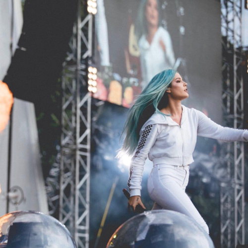 halsey performing in godspeed tracksuit  june 2017