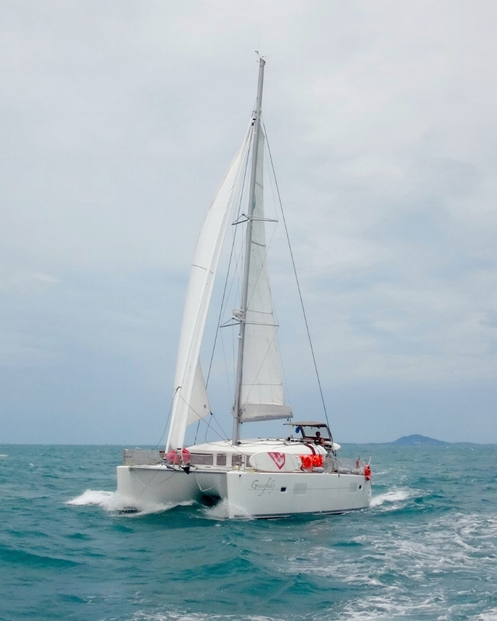 ximulasail-gracefully-yacht-charter