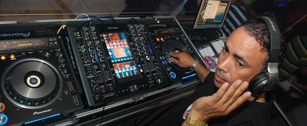 ICE-DJ-Ricardo-Herrera2-1065x437.jpg