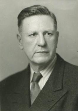 1935 - DR. EDWIN THOMAS HODGE (Charter Member)