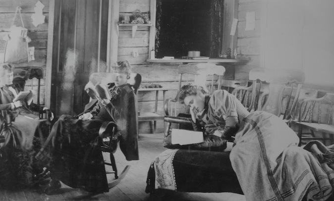 This photo shows the gracious living achievable in the early days of the Inn. I could sit around reading in this environment!