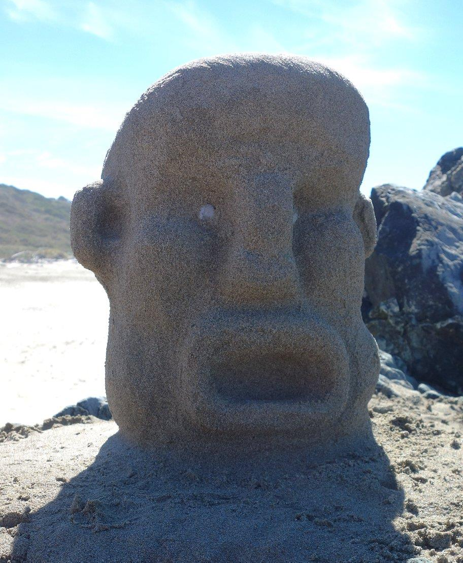 Later, on the beach south of the Bandon jetty, we were examining rock outcrops and picking up nice pebbles, when we noticed someone had left this lovely sculpture.