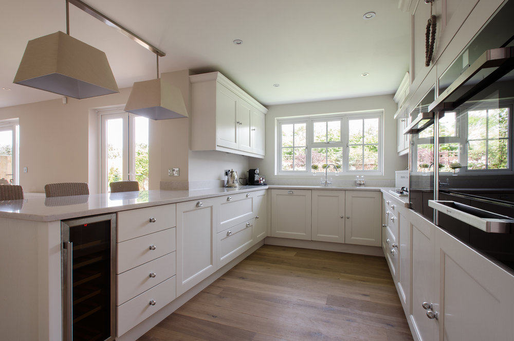 27 Kendal Medow kitchen5.jpg