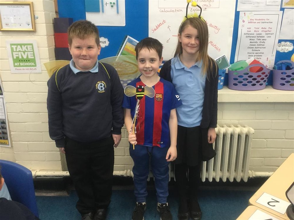 3ES have been working hard to improve their spelling and we have three new 'Spelling Bee Champions'. Well done Joel, Olivia and Ben for all of your hard work learning your spellings. -