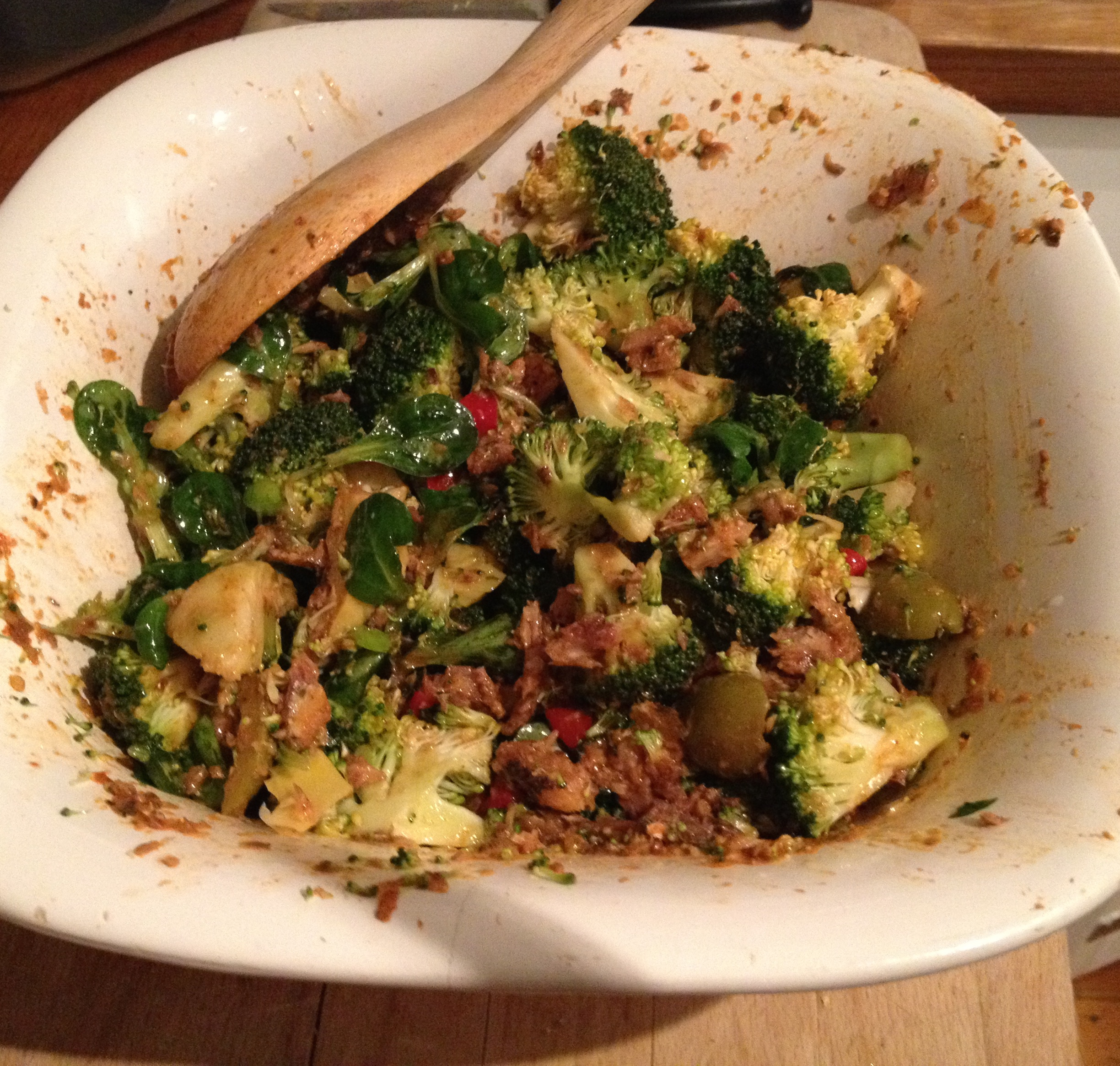 broccoli sardine salad