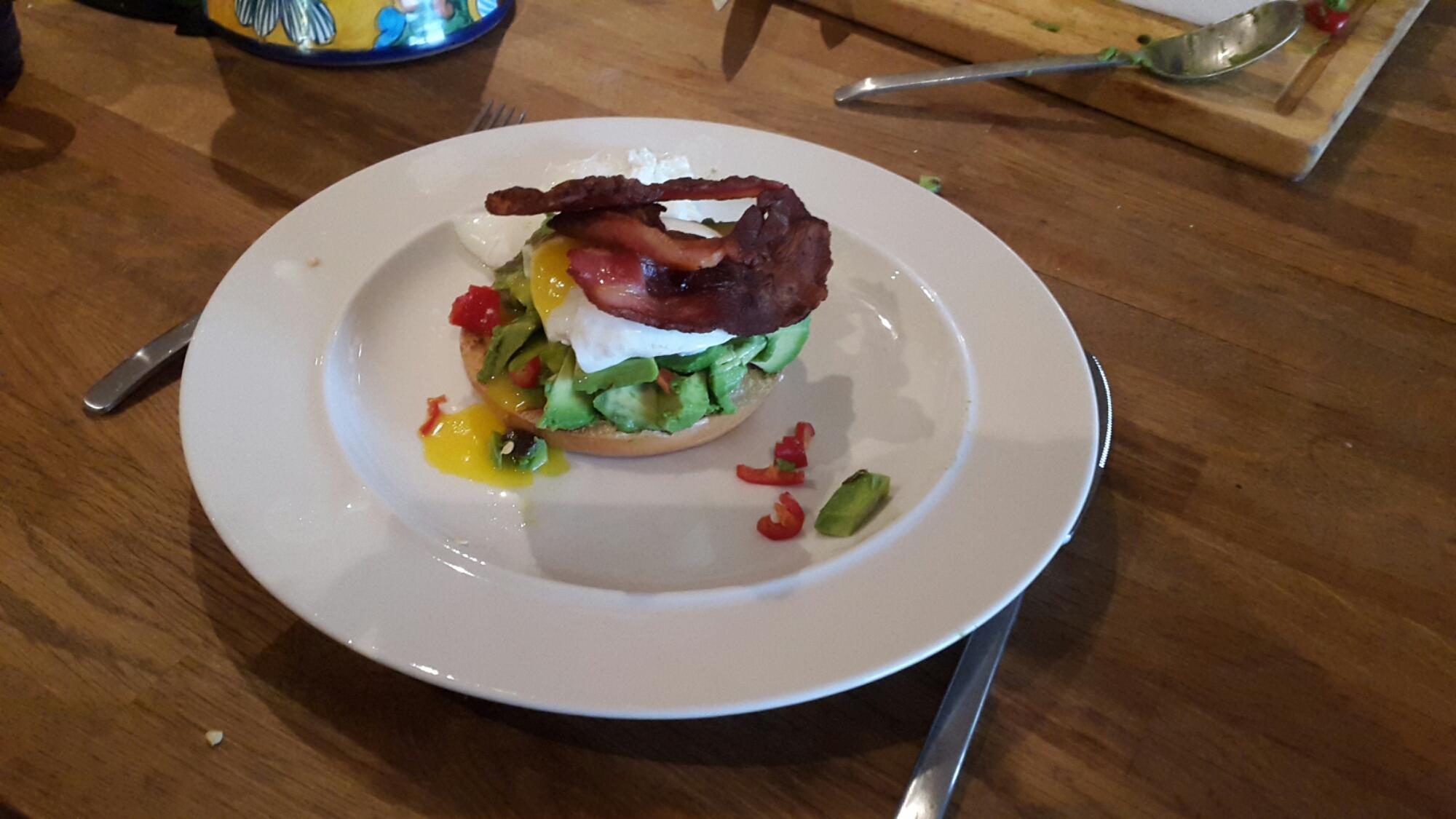 Avocado Poached Eggs with Bacon