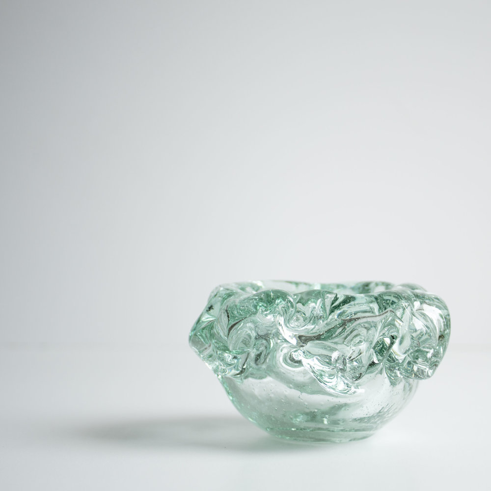 Glass bowl made from 100 % recycled glass.