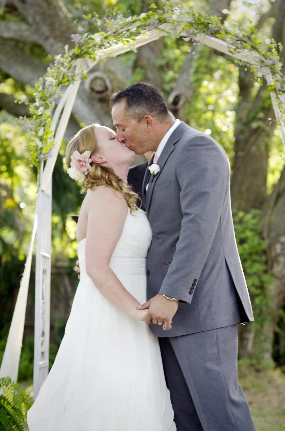 first kiss - fairbanks wedding photographer