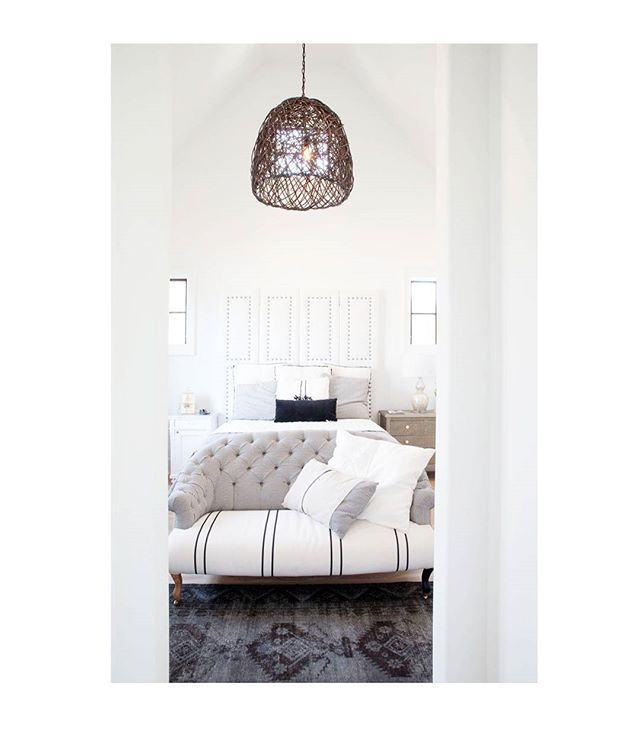 Serene master bedroom at the Oragnic Life  Showhouse in @serenbe on Endsinstyle today.  Design by @danalynchdesign  Written by @susiemaedesign  Photo@christinawedge  #inspiration #design #serenbe #decor #decorinspiration #housebeautiful  #organic #sustainable #white #interior #interiorstyling #interiordesign