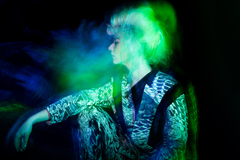 Velvet_Dust_Light_Play00016.jpg