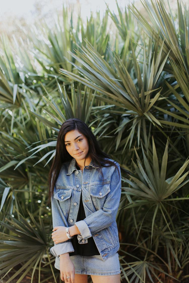 Paige-Newton-Imagery-Senior-Portrait-Photography_Botanical-Gardens.jpg