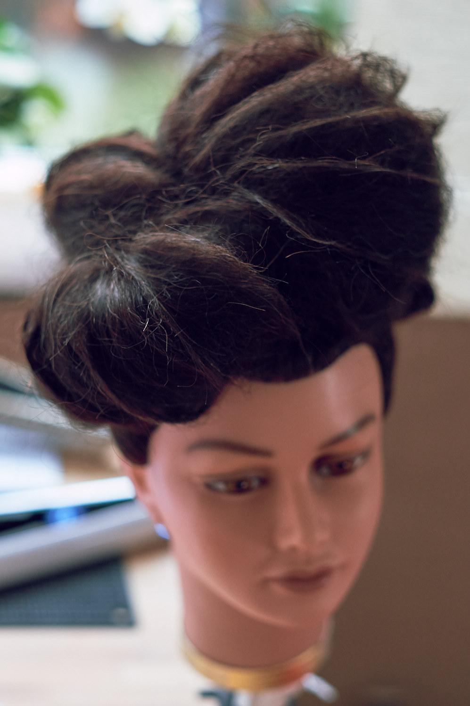 håret framifrån..