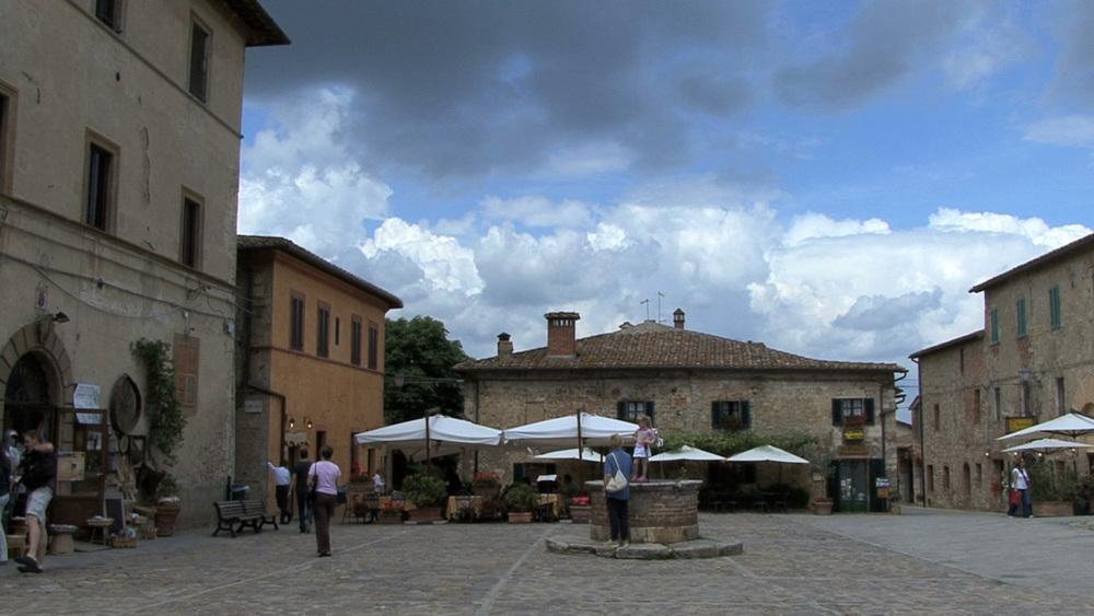 Original scene frame video source : Tuscany