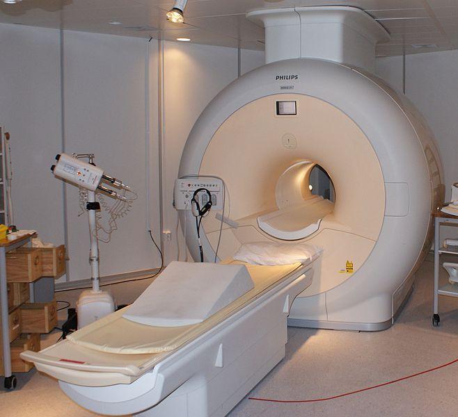 658px-MRI-Philips.JPG