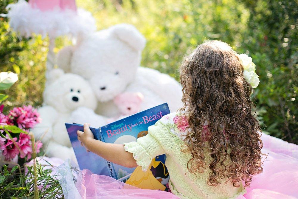 book-girl-flower-reading-summer-spring-699701-pxhere.com.jpg