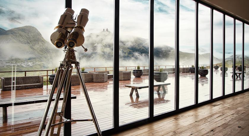 Saving the best for last, this high-gloss metal telescope is the perfect accessory for a mountain resort.  Even on a foggy day.