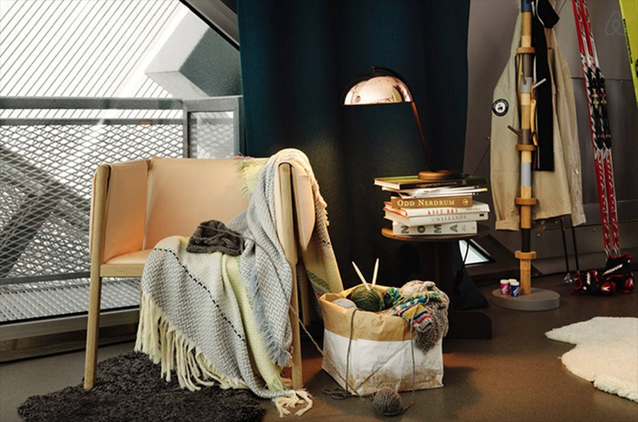 I'm obsessed with that coper table lamp.  It compliments the peach colored chair so well.  Swoon!