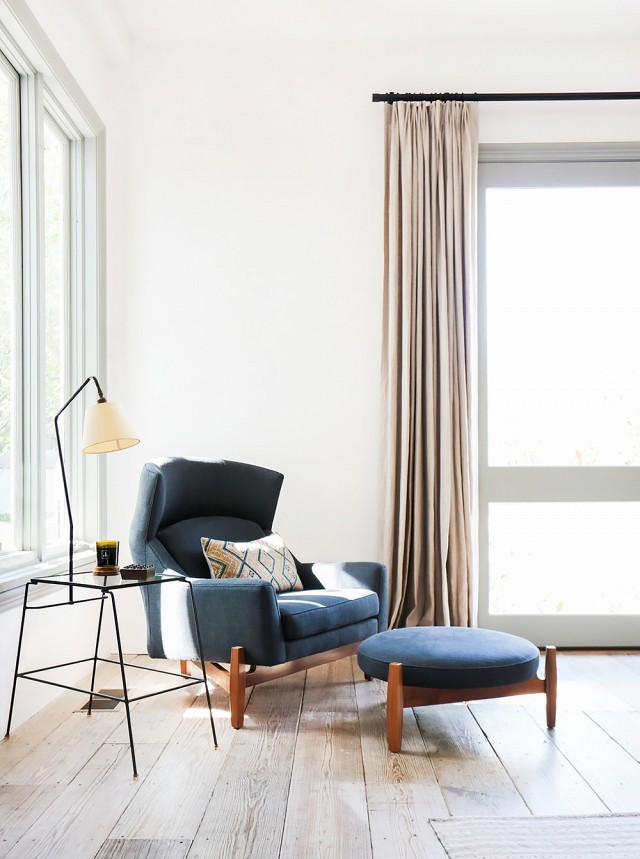 This midcentury modern chair and ottoman are sure to have an instant icon status!