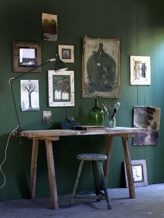 This workspace follows are more rustic and earthy approach.