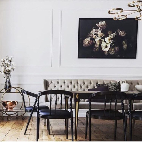 I just can't resist a gorgeous prewar dining room.  And that tufted dining bench!?