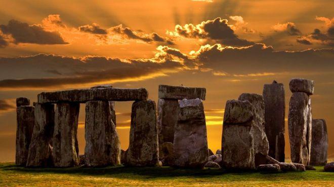 Stonehenge: Getty Images / BBC.com