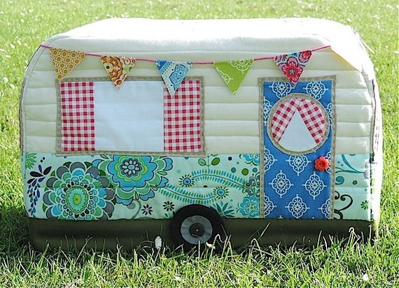 Vintage Caravan Sewing Machine Cover pattern by Rainbow Hare